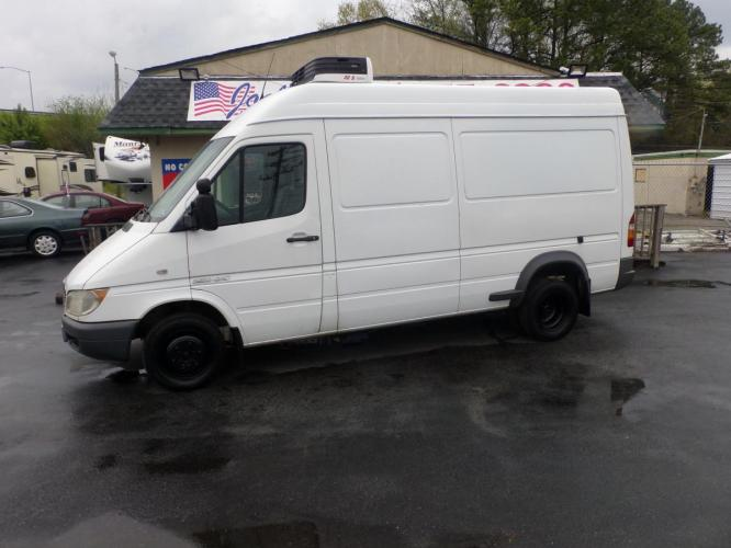 2006 White Freightliner Sprinter 3500 (WDYPD444565) with an 2.7L L5 DOHC 20V TURBO DIESEL engine, 5-Speed Automatic transmission, located at 5700 Curlew Drive, Norfolk, VA, 23502, (757) 455-6330, 36.841885, -76.209412 - Photo #0