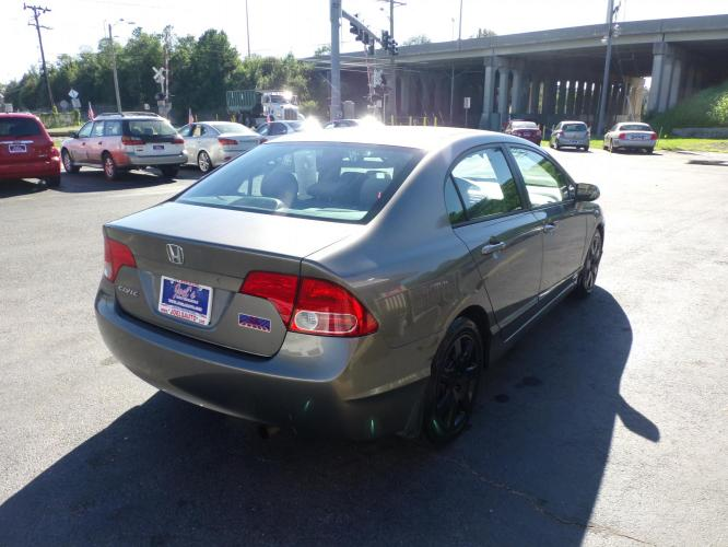 2007 Gray Honda Civic LX Sedan (1HGFA155X7L) with an 1.8L L4 SOHC 16V engine, 5-Speed Manual Overdrive transmission, located at 5700 Curlew Drive, Norfolk, VA, 23502, (757) 455-6330, 36.841885, -76.209412 - Photo #11