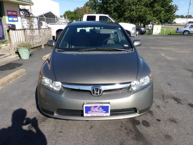2007 Gray Honda Civic LX Sedan (1HGFA155X7L) with an 1.8L L4 SOHC 16V engine, 5-Speed Manual Overdrive transmission, located at 5700 Curlew Drive, Norfolk, VA, 23502, (757) 455-6330, 36.841885, -76.209412 - Photo #1