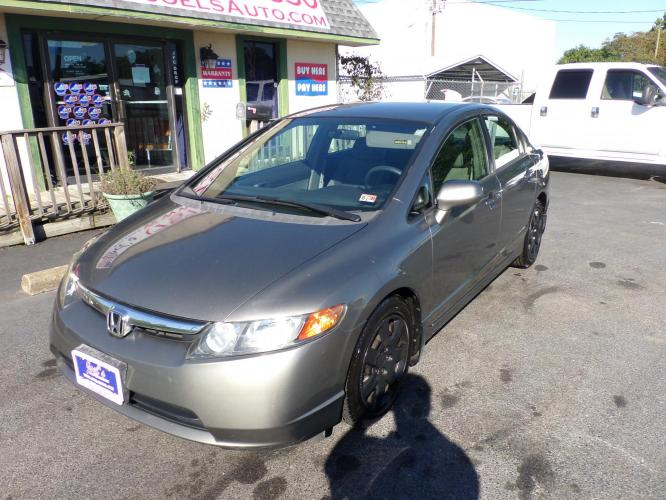 2007 Gray Honda Civic LX Sedan (1HGFA155X7L) with an 1.8L L4 SOHC 16V engine, 5-Speed Manual Overdrive transmission, located at 5700 Curlew Drive, Norfolk, VA, 23502, (757) 455-6330, 36.841885, -76.209412 - Photo #3
