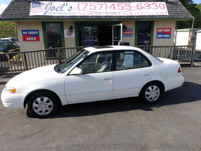 1998 WHITE Toyota Corolla (2T1BR18E3WC) , Automatic transmission, located at 5700 Curlew Drive, Norfolk, VA, 23502, (757) 455-6330, 36.841885, -76.209412 - Photo #0